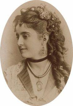 Adelina Patti - hair inspiration