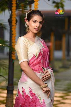 Chanderi Silk Saree, Kalamkari Saree, Organza Saree, Saree Styles, Blouse Styles, Blouse Designs, Hand Painted Sarees, Elegant Saree, Painted Clothes