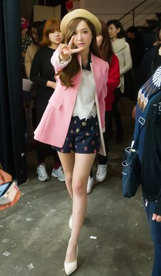Jessica Jung Sooyeon of Girls' Generation for Soup BTS Snsd Airport Fashion, Snsd Fashion, Ulzzang Fashion, Asian Fashion, Girl Fashion, Spring Fashion, Jessica Snsd, Jessica & Krystal, Krystal Jung