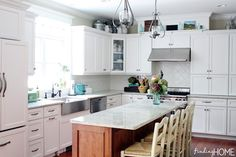 Farmhouse Kitchen - Finding Home #bloggerstylinhometours