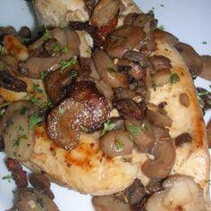 Receta de Pollo al horno con champiñones de dificultad Muy fácil para 4 personas lista en 90 minutos.