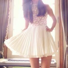 again Ariana dress that I simply <3 fashion icon Photo by arianagrande