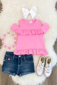 Shop cute kids clothes and accessories at Sparkle In Pink! With our variety of kids dresses, mommy + me clothes, and complete kids outfits, your child is going to love Sparkle In Pink! Baby Outfits, Outfits Niños, Girls Summer Outfits, Little Girl Outfits, Cute Outfits For Kids, Little Girl Fashion, Summer Clothes, Toddler Girl Style, Toddler Girl Outfits