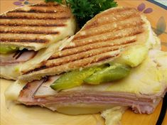 THE BEST Cuban Recipes and Cuban Food: Sandwich Cubano Presionado Con Ajo Dijon Mantequilla (Pressed Cuban Sandwich With Garlic Dijon Butter) Sandwich Cubano, Cuban Sandwich, Sandwich Shops, Comida Latina, I Love Food, Good Food, Yummy Food, Cuban Dishes, Sandwiches
