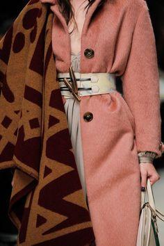 Trends Fall 2014: wearable blankets http://sulia.com/channel/fashion/f/11a53462-a257-482d-a06f-e8e4f4673b12/?source=pin&action=share&btn=small&form_factor=desktop&pinner=124969623