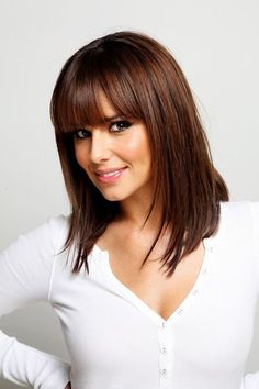 Quelle couleur cheveux chocolat - The Right Hair Styles Mid Length Hair With Bangs, Shoulder Length Straight Hair, Bangs With Medium Hair, Medium Layered Hair, Medium Hair Cuts, Medium Hair Styles, Short Hair Styles, Straight Bangs, Straight Cut