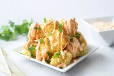 Bang Bang Cauliflower Bang bang cauliflower is crispy, crunchy, and covered in a sweet and tangy Asian sauce. Coconut Shrimp Recipes, Cauliflower Recipes, Vegan Cauliflower, Side Dish Recipes, Side Dishes, Main Dishes, Bang Bang Cauliflower, Plant Based Recipes, Vegetarian Recipes