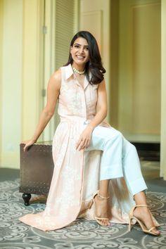 Samantha Akkineni in Payal Khandwala – South India Fashion Indian Fashion Dresses, India Fashion, Indian Outfits, Fashion Outfits, Women's Fashion, Samantha Images, Samantha Ruth, Sonam Kapoor, Deepika Padukone