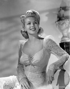 Picture of Lana Turner Old Hollywood Movies, Hollywood Icons, Old Hollywood Glamour, Golden Age Of Hollywood, Vintage Hollywood, Hollywood Stars, Hollywood Actresses, Classic Hollywood, Hollywood Fashion