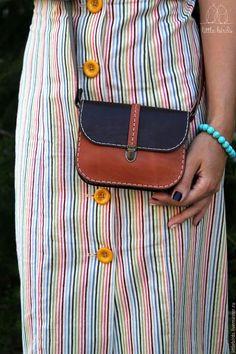 Сумочка кожаная маленькая – купить или заказать в интернет-магазине на Ярмарке Мастеров | Маленькая и яркая сумочка из натуральной кожи для…