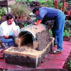 Weekend project: Sunset's classic adobe oven - Build an Outside Oven - Sunset Mobile Build A Pizza Oven, Diy Pizza Oven, Pizza Oven Outdoor, Outdoor Cooking, Pizza Ovens, Adobe Fireplace, Pizza Oven Fireplace, Wood Fired Oven, Wood Fired Pizza