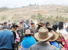Perúvian traditional wedding via @Baptiste Viry #hats #wedding #landscape