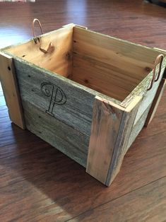 Wood Pallet Planters, Pallet Crates, Reclaimed Wood Projects, Repurposed Wood, Reclaimed Wood Furniture, Diy Pallet Furniture, Wood Crates, Diy Pallet Projects, Wood Pallets