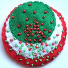 Kokárda - másképp Christmas Ornaments, Holiday Decor, Inspiration, Ideas, Home Decor, Biblical Inspiration, Room Decor, Christmas Jewelry, Christmas Ornament