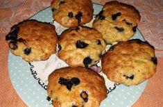 Brioșe cu afine și fulgi de ovăz Muffin, Cupcakes, Breakfast, Food, Bebe, Morning Coffee, Cupcake Cakes, Essen, Muffins