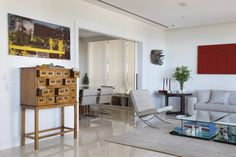 Eine Mischung aus modernen Möbeln und Klassikern vom Flohmarkt zeichnet den Boho-Chic aus.