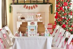 Gingerbread House Decorating Party Full of Cute Ideas via Kara's Party Ideas | KarasPartyIdeas.com #GingerbreadCookies #ChristmasParty #Part...