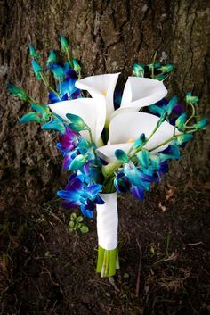Small wedding bouquets for spring summer weddings 48