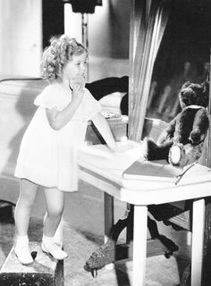 Shirley Temple on the set of Now and Forever, Hollywood Heroines, Hollywood Icons, Classic Hollywood, Old Hollywood, Hollywood Glamour, Child Actresses, Child Actors, Actors & Actresses, Temple Movie