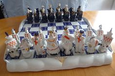 Gardner Verbilky Moskau Russian Porcelain Chess set Handpainted 24k gold is used