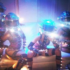 Wow, check out the Dancers with customized costumes lights. So much at the Montreal formula 1 afterparty! Costume Ideas, Costumes, Avicii, Ball Lights, Led, Burning Man, Formula 1, Drugs, Dancer