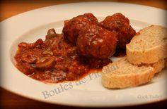 Tapas meatballs! De bedste tapas kødboller til dato - og så er de fra Frankrig! http://cookvalley.blogspot.dk/2015/02/spanske-kdboller-pa-fransk-boules-de.html