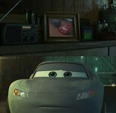 Omigosh Lightning in primer, poor guy! Disney Cars Movie, Tow Mater, Radiator Springs, Car Memes, Lightning Mcqueen, How To Train Your Dragon, Disney Art, Mc Queen, Wallpapers