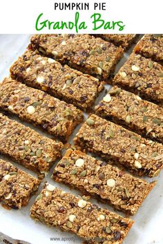 These Hearty Pumpkin Pie Granola Bars are a great snack! They're portable, healthy and delicious! Pumpkin Granola Bars Recipe, Quinoa Granola Bars, Homemade Granola Bars, Pumpkin Butter, Vegan Pumpkin, Pumpkin Recipes, Pumpkin Bread, Pumpkin Spice, Protein Bar Recipes