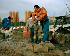 rgogopost: The Thing, Luis Hernandez de l'Etat de Veracruz. Il travaille comme manoeuvre sur des chantiers de démolition à New York. Il envoie 200 dollars par semaine © Dulce Pinzon/K-Echo photo