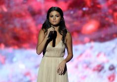 "Selena Gomez Desperate to Leave Rehab: ""Everyone is Worried"" (EXCLUSIVE)"