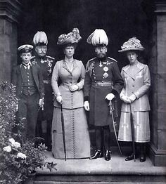 Edward, Prince of Wales;  Arthur, Duke of Connaught;  Queen Mary;  King George V;  Princess Mary
