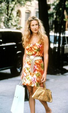 Carrie Bradshaw Wearing A Floral Dress, White Dress And Tan Bag While Shopping, Season 2