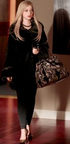 b1ebee3ff840d Gossip Girl Outfits, Gossip Girl Fashion, Georgina Sparks, Girls Season 3,  Gossip