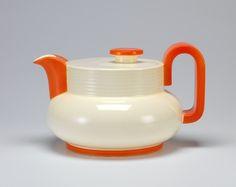 Ursula Fesca teapot c.1933