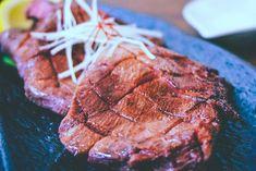 肉厚やわらか、旨み満点!牛タンの塩焼き | 低温調理普及の為のBONIQ公式レシピブログ Sous Vide, Beef Recipes, Steak, Food, Meal, Eten, Steaks, Meals, Ground Beef Recipes