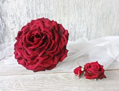 Hey, I found this really awesome Etsy listing at https://www.etsy.com/uk/listing/279774784/large-rose-petal-flower-red-glamelia