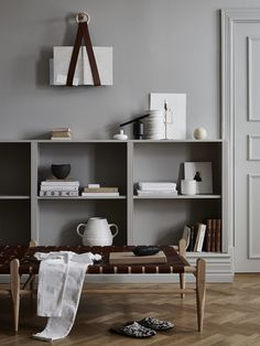 Smålands Skinnmanufaktur (SSM) Swedish furniture and accessories from an eco-conscious tannery Estilo Interior, Cafe Interior, Interior Styling, Simple Interior, Kitchen Interior, Decoration Inspiration, Interior Inspiration, Decor Ideas, Living Room Designs