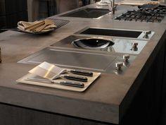 New Domino Design Modules - KitchenAid Pictures Of Kitchen Islands, Kitchen Pictures, Kitchen Interior, New Kitchen, Home Interior Design, Kitchen Pendant Lighting, Kitchen Pendants, Wok, Kitchen Arrangement