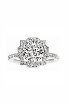 Anillo de compromiso Belle, de Harry Winston (c.p.v.). Diamante redondo de 2.03 kilates sobre micropavé de platino.