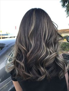 Balayage ❤️ love the result!Balayage ❤️ love the result! Brown Hair Balayage, Brown Blonde Hair, Hair Color Balayage, Hair Highlights, Black Hair With Highlights, Bayalage, Haircolor, Art Visage, Fall Hair Trends