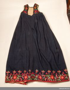 DigitaltMuseum - Stakk Folk Costume, Costumes, Pretty Pictures, Norway, Summer Dresses, Skirts, Sweden, Clothes, Country
