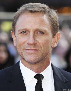 It's Daniel Craig!
