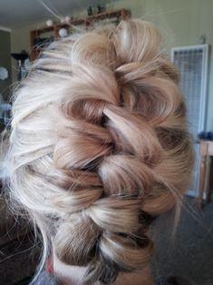 15 Easy Hair Braid Tutorials // banana-clip-braid