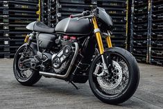 The Bulldog - Supercharged T120 Thruxton R via returnofthecaferacers.com