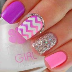 Chevron nail art designs have evolved into big nail trends these days. More and more ladies would want a chevron nail art, which really rock and can be worn Get Nails, Fancy Nails, Love Nails, Trendy Nails, Hair And Nails, Pink Nails, White Nails, Sparkly Nails, Pink Manicure