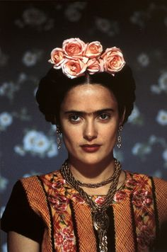 selma hayek as frida kahlo. Want to see this film soon Frida Salma, Salma Hayek Frida, Diego Rivera, Costume Frida Kahlo, Black Power, Frida Movie, Films Étrangers, Spring Racing Carnival, Frida And Diego