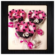 Ladybug Hot Pink Chocolate Covered pretzels set of 12 Baby Shower Table, Baby Shower Themes, Baby Shower Gifts, Shower Ideas, Baby Shower Vintage, Shabby Chic Baby Shower, Lia Sophia, Pink Ladybug Birthday, Pink Chocolate
