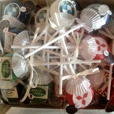 Cake Pops Logodruck Automarken Cake Pops, Christmas Ornaments, Holiday Decor, Diy, Home Decor, Cake Pop, Do It Yourself, Bricolage, Room Decor