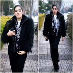 When I see the weather ,I feel like wearing this outfit in that mood. The nobility of black and white is irreplaceable for me in all seasons and any weather condition.