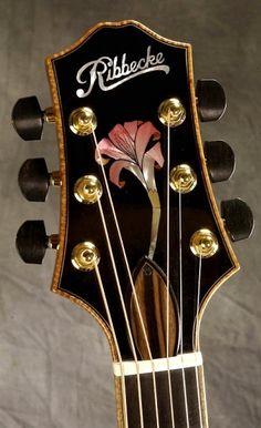 RIBBECKE Halfling™ Guitar (detail)